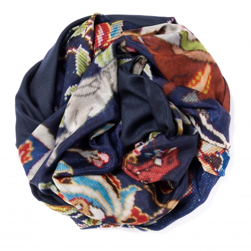 Dark navy blue Pashmina  <p>with digital printed silk chiffon (old carpet) attached on one side of the scarf, size: 1x2m<br /></p>