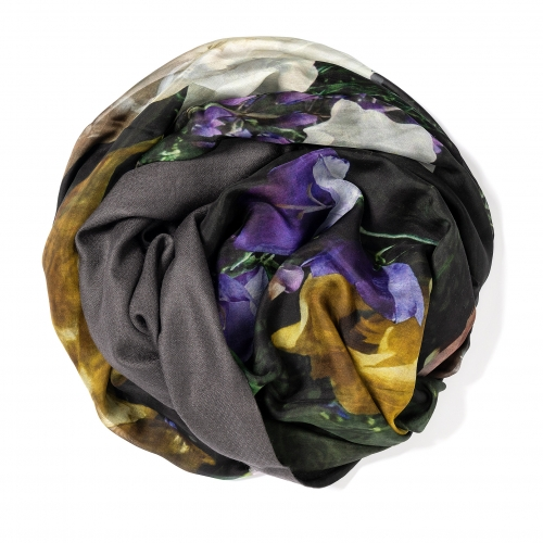 Charcoal colored Pashmina  <p>with digital printed silk chiffon (still life with blue flowers) attached on one side of the scarf, size: 1x2m<br /></p>