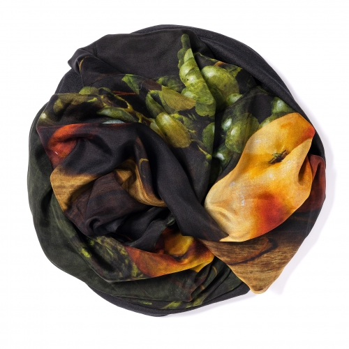 Black Pashmina  <p>with digital printed silk chiffon (still life with grapes) attached on one side of the scarf, size: 1x2m<br /></p>