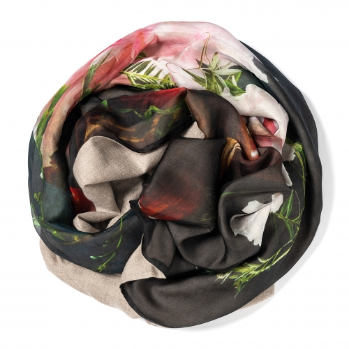 Natural colored Pashmina  <p>with digital printed silk chiffon (still life with peonies) attached on one side of the scarf, size: 1x2m</p>