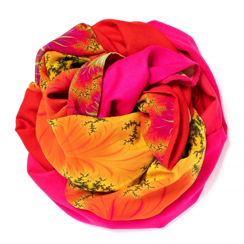 Orange to pink colored Pashmina  <p>with digital printed silk chiffon (computer generated fractal based on the Madelbrot set) attached on one side of the scarf, size: 1x2m<br /></p>