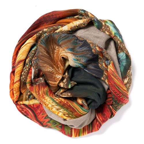 Natural dark colored Pashmina  <p>with digital printed silk chiffon (computer generated fractal based on the Madelbrot set) attached on one side of the scarf, size: 1x2m<br /></p>